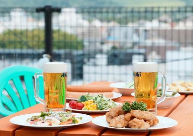 古の都・奈良の景色を楽しみながらビールで乾杯