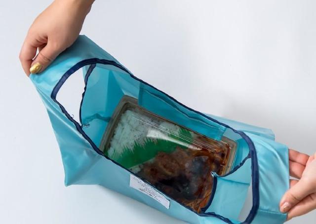 お弁当が傾かない「エコバッグ」が330円! スリコの人気商品が再販してるよ~。