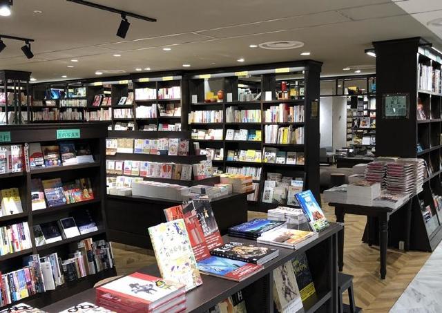 蔵書20万冊、「丸善」がさんすて岡山にオープン