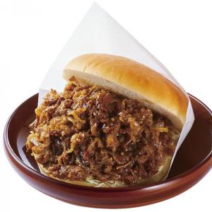 バンズが肉で見えない...。 コメダ珈琲店に肉だくだくの衝撃バーガー登場!