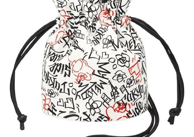 1400円オフはすごすぎ! GU×サンリオのおしゃかわバッグ、今なら590円で買えるよ。