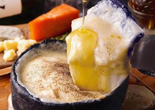 とろ~りフレッシュチーズと生はちみつを味わえる専門店