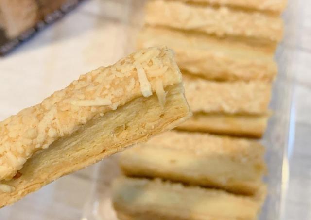 「上等な味がする」 業務スーパーにあるオランダ産「チーズスティック」は買って損なし!