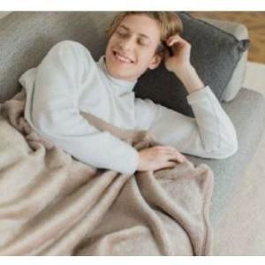 ユニクロの大人気「ヒートテック毛布」 ついに全店舗での販売がスタート!