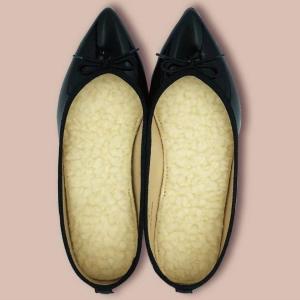 【ダイソー】もこもこのボアインソールよさげ。 100円で靴の寒さ対策できた。