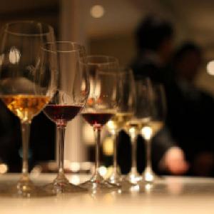 ワイン好き必見の贅沢ディナー 料理長が腕を振るった料理とともに味わって