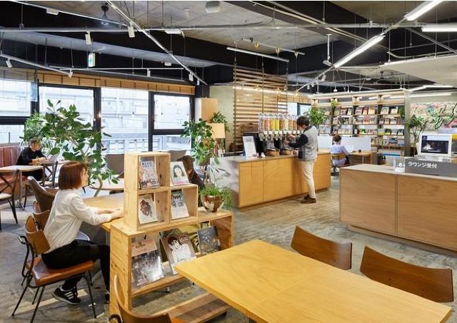 TSUTAYA新道東駅前店にカフェラウンジオープン