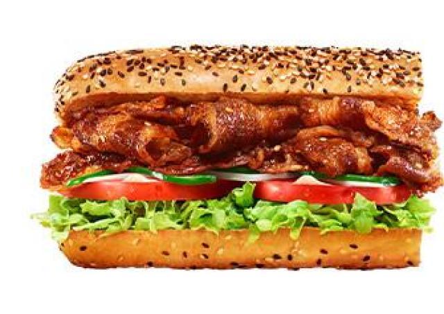 100円プラスで肉の量を1.5倍に!サブウェイで10日間限定の「ブラックフライデー」