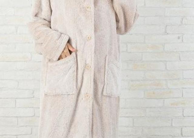 ニトリの「着る毛布」がマジであったかい。家事も在宅ワークもぬっくぬく!