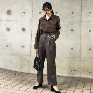 【GU】着痩せデザインの「フェイクレザーパンツ」。使える着まわし3コーデ