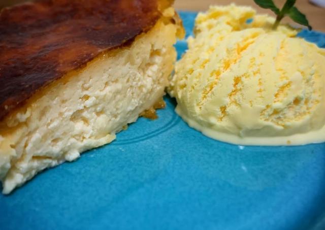 バニラアイスの超簡単アレンジ。アイスマニアが教える「フレンチトースト」「バスクチーズケーキ」の作り方