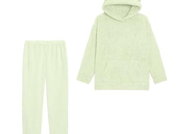 【GU】1500円オフはすごすぎ...。くま耳ふわもこパジャマがいまなら990円!