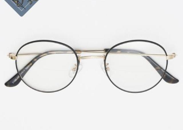 【しまむら】プチプラのあやさん「メガネ」が凄い!曇りにくく紫外線もカット。