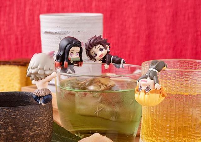 【鬼滅の刃】炭治郎、禰豆子がコップにちょこん。フィギュア、かわよ~。