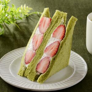 【ローソン】今年も「いちごサンド」の季節がきたよー!抹茶入り食パンも美味しそう。