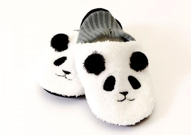 3COINSの脱げないモコモコスリッパに「パンダ」!たまらん可愛さ。