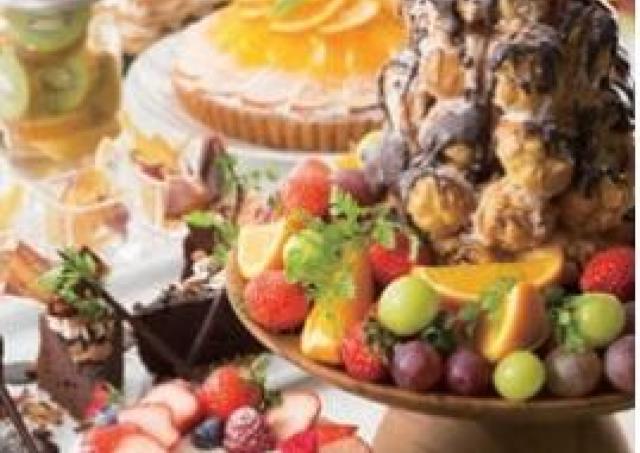 2日限定、パティシエの特製デザートを好きなだけ。