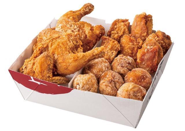 どっさり入った「丸鶏入りからあげBOX」がお得!今回も完売必至か。