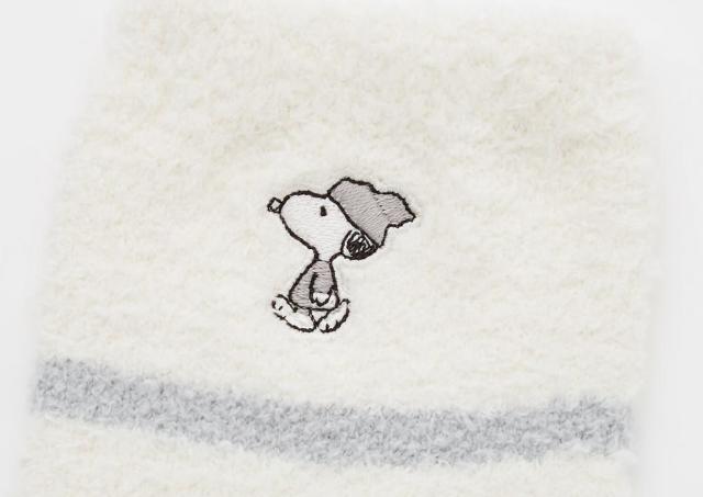 【ユニクロ】スヌーピーのふわもこソックスが2足500円!半額は買いでしょ。