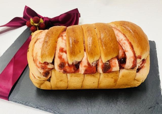 もうジャムなんていらない...!超絶美味しい「いちごパン」に出会ってしまった。