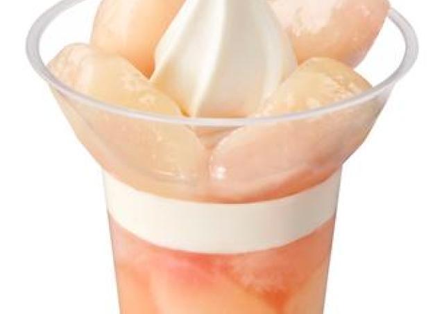 ミニストップに人気の白桃パフェがやってきた!果肉2倍パフェも登場~。