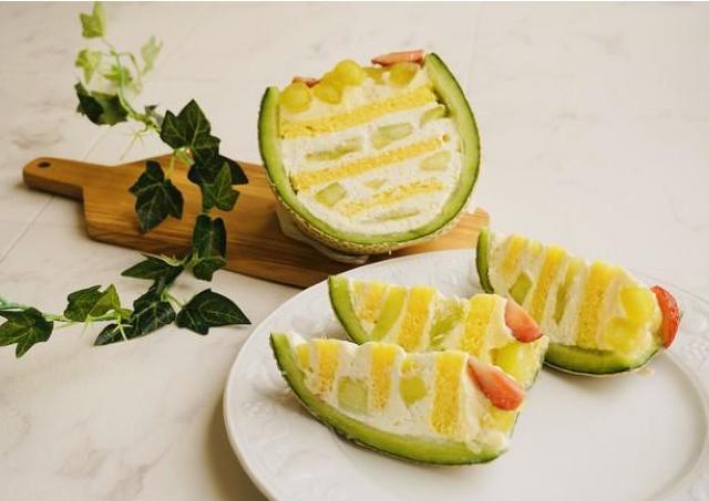 成城石井の「究極のメロンケーキ」がすごすぎて!GWは極上スイーツをお家でどうぞ。