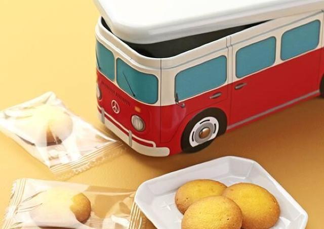カルディのバス缶クッキーかわいい~!青赤どっちもそろえたい。