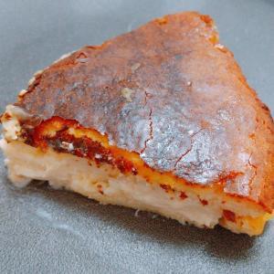 3つの材料を混ぜて焼くだけ。バスクチーズケーキがこんな簡単に作れるなんて!