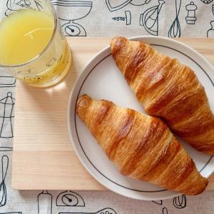 【カルディ】ふわふわ、サクサク...朝食が待ちきれなくなる冷凍パン3つ