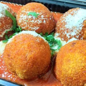 【コストコ】お米ぎっしり。ボリューム満点のイタリア風ライスボール、アレンジ効きそう。