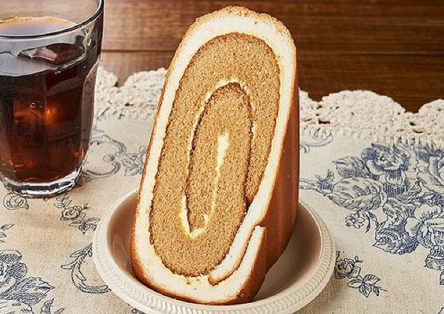 108円でおうちカフェ気分。ローソンストア100に「シャルロットケーキ」登場!