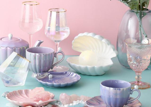 永遠に見てられる。Francfrancの貝殻アイテムめっちゃ可愛いよ。シェルランプは新色も!