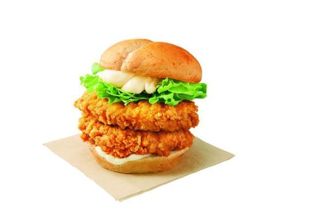 KFCに驚きのボリュームメニュー出現中。チキンフィレを2枚もサンド!