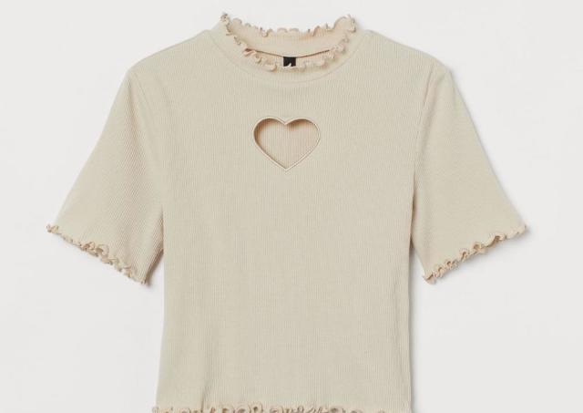 H&Mが最大50%オフの夏セール。可愛いNiziUアイテムも1000円以下!