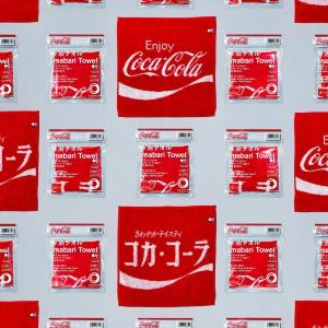 ファミマで売ってる「コカ・コーラ」今治タオルがよき。初のコラボ、デザインもエモい