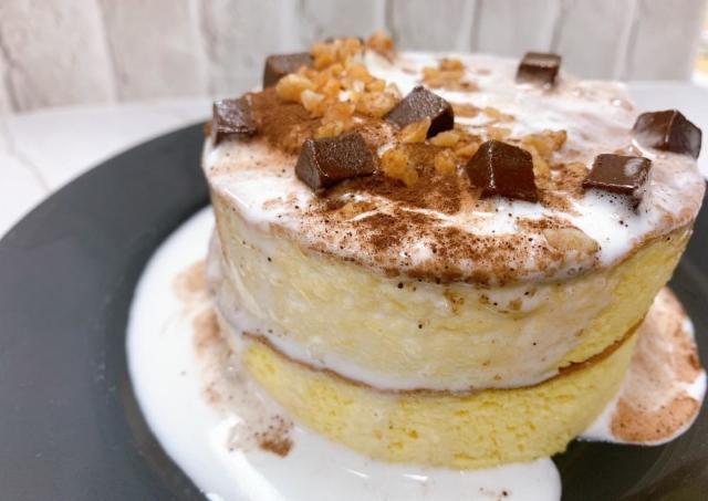 「想像以上のクオリティ」!セブンの「冷凍パンケーキ」がふわっふわで幸せ。