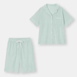 GUの「ひんやりパジャマ」がほぼ半額!着心地も色味もよきです。