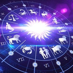 占星術研究家による【2021年8月の運勢】