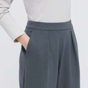 【ユニクロ】スッキリ見えと楽さを両立!「ガシガシ洗濯」できる1990円パンツは買い。
