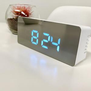 1か月探し続けてようやくゲット!ダイソー高見え&多機能の「ミラーデジタル時計」を正直レビュー