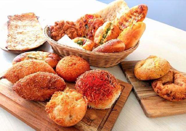 横浜高島屋に50種類のカレーパンが揃う