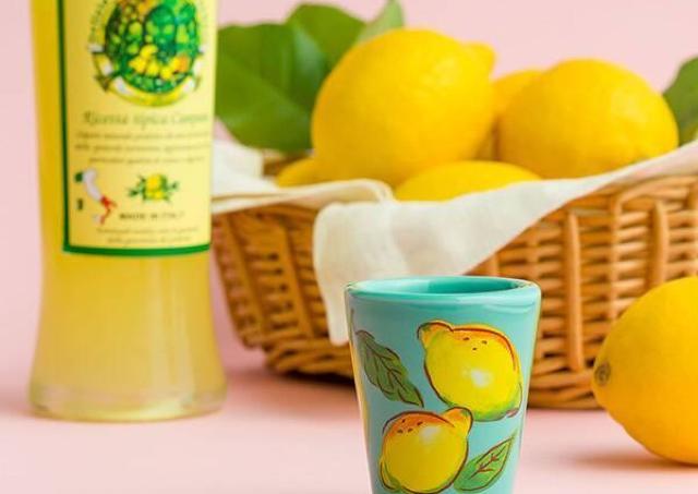 【カルディ】可愛いレモンの陶器グラスもらえるよ!レモンリキュールお得では?