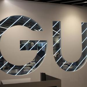 GUの秋冬アイテムが早くもお得!SNSで人気の「ベスト」も安くゲットできるよ~