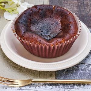 「108円バスク風チーズケーキ」に新作!しっかりと焦がし香ばしさアップ。