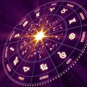 占星術研究家による【2021年10月の運勢】