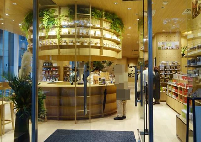 安心に包まれる保存食カフェと将来の夢が描けるアウトドアショップ【辛酸なめ子の東京アラカルト#55】